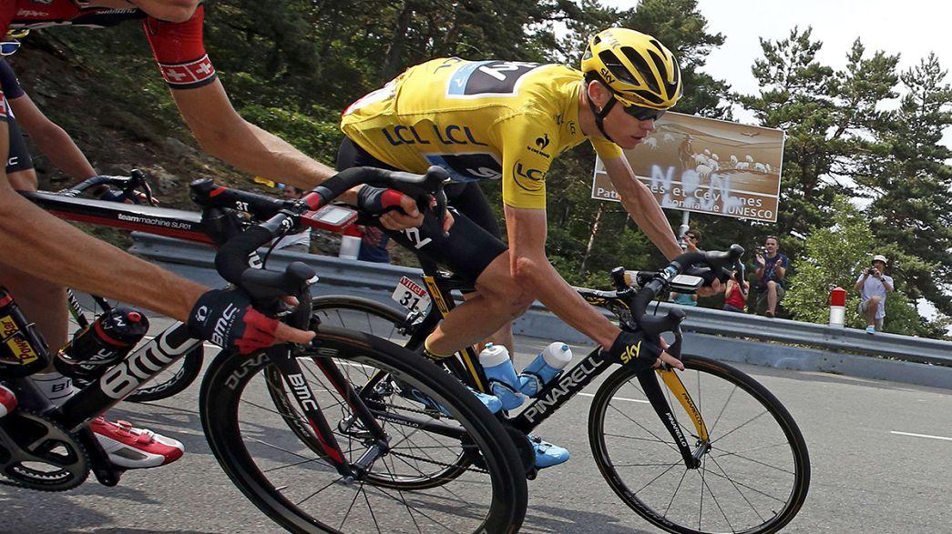 """Tour de France: Froome """"mi hanno lanciato urina"""" e attacca i media"""