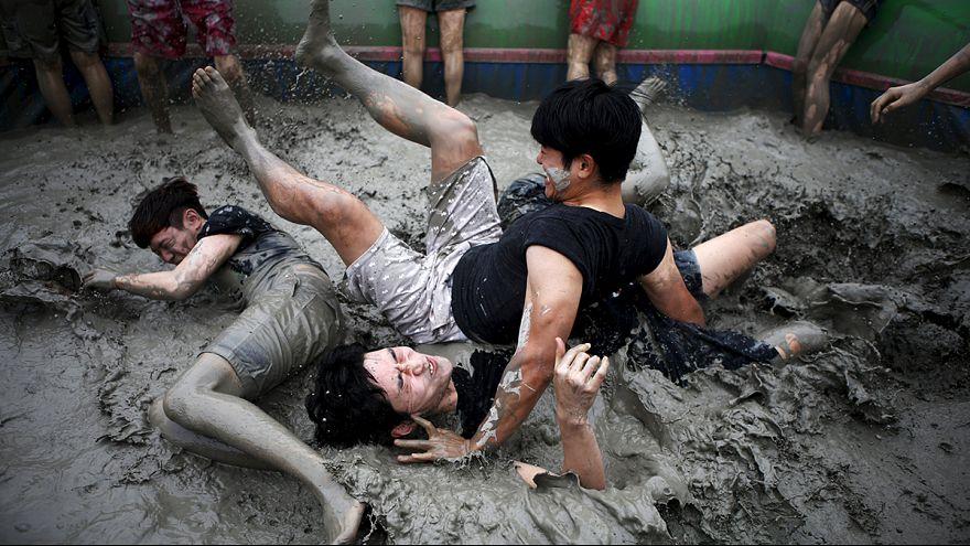 Bain de boue festif en Corée du Sud