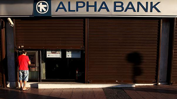 Yunanistan'da bankalar açılıyor, KDV'ye zam geliyor