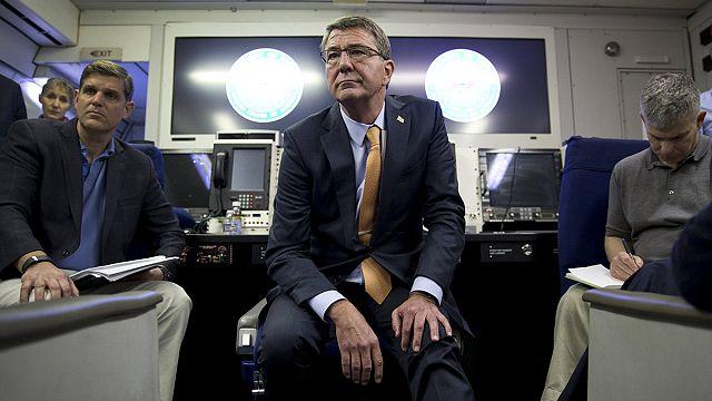 Amerikan Savunma Bakanı Carter İsrail ziyaretine başladı