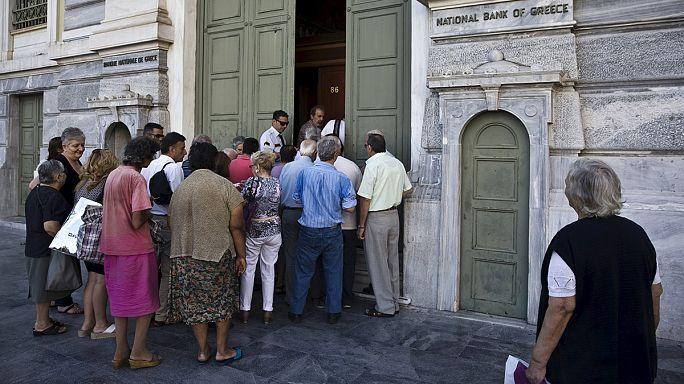 Három hét zárva tartás után kinyitottak a bankok Görögországban