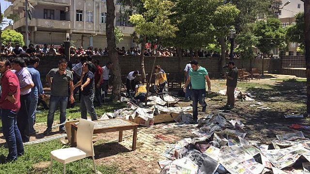В Турции взорвали молодых социалистов