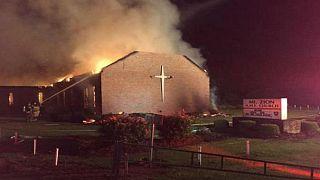 Amerikalı Müslümanlar yanan kiliseler için para topladı
