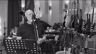 """""""Rattle That Lock"""" ispirata a David Gilmour dal jingle delle stazioni francesi"""