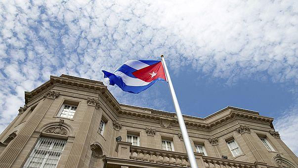 ABD ve Küba karşılıklı büyükelçiliklerini açarak tarihi adım attı