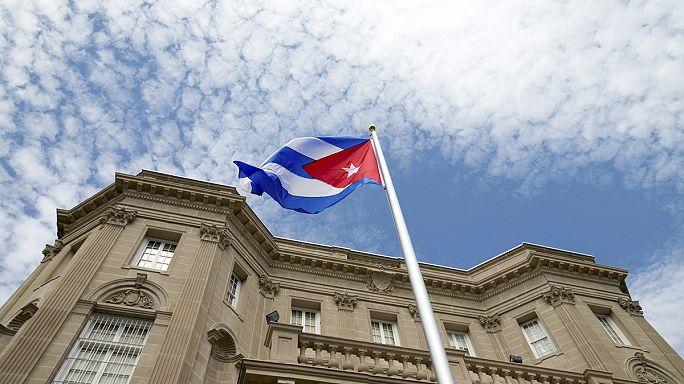 В Вашингтоне и Гаване в понедельник вновь открылись посольства Кубы и США