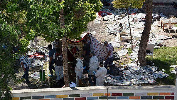 تركيا: ارتفاع ضحايا الهجوم على مركز ثقافي في سوروتش إلى 31 قتيلا