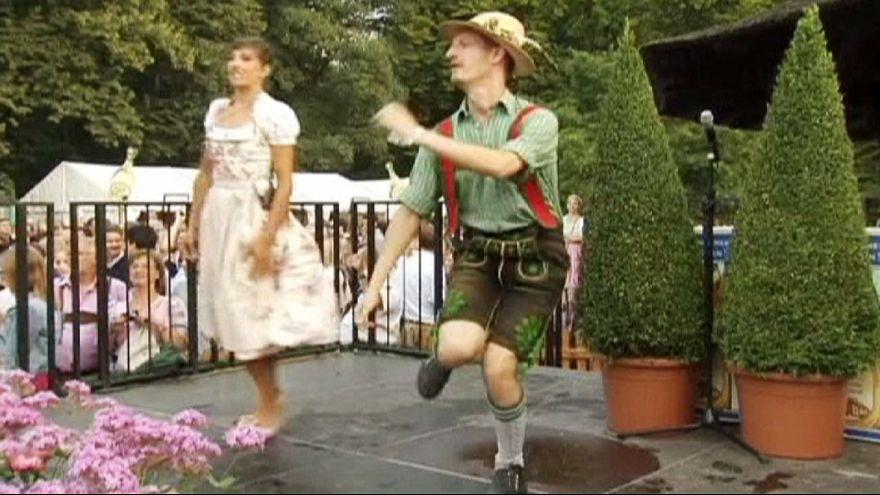 الرقص البافاري في مهرجان ميونيخ