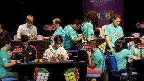 Record di Zemdegs: 5,6 secondi per risolvere il cubo di Rubik
