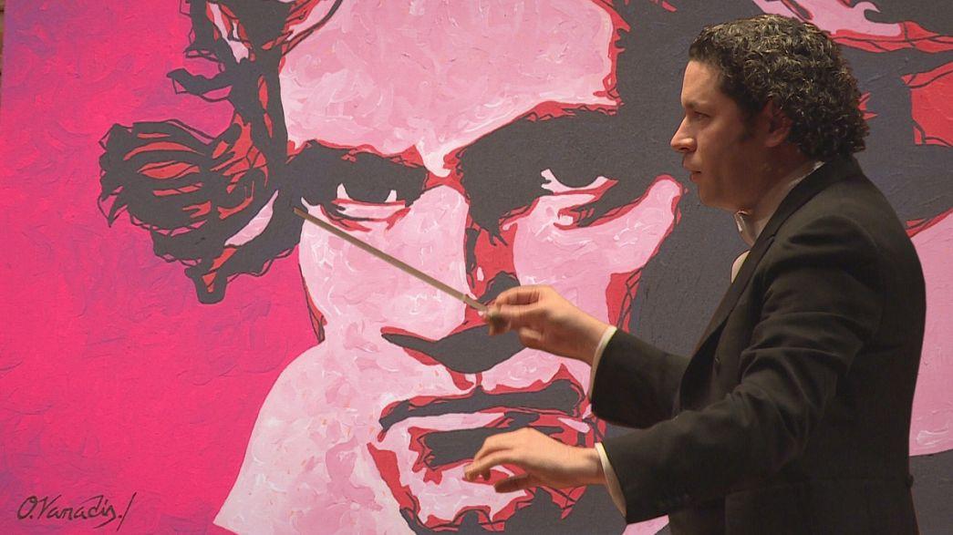 Dudamel'den Bogota'ya paha biçilmez armağan