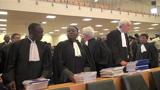 Hissene Habre dragged from court; officials suspend war-crimes trial