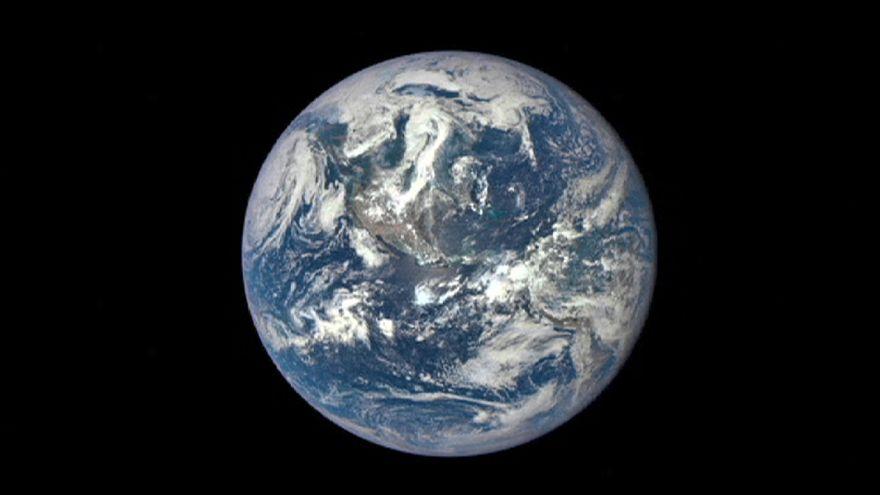 "NASA divulga a nova ""fotografia oficial"" do planeta Terra"