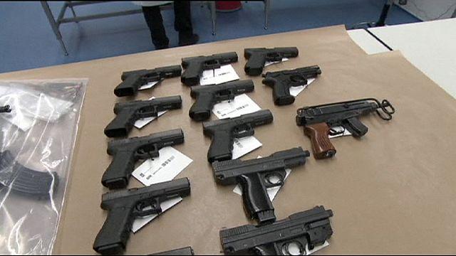 Голландская полиция арестовала крупный арсенал оружия