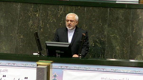 Iran : Zarif défend l'accord sur le nucléaire devant le parlement
