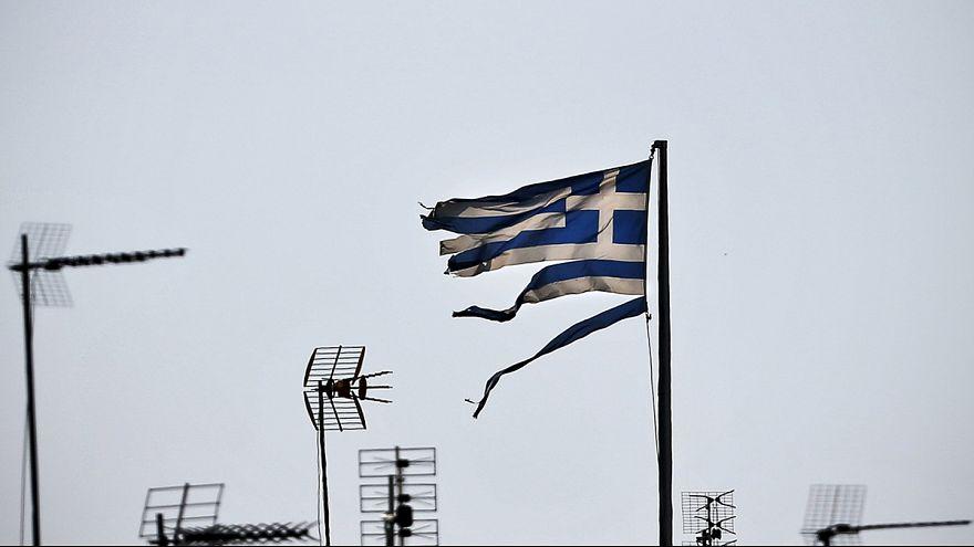 Греция: парламент голосует по второму пакету мер экономии