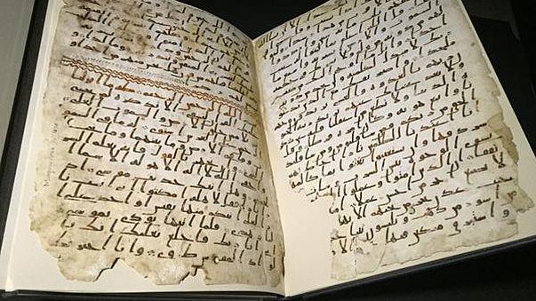 Mohamed próféta korából származó Korán-lapokat találtak Angliában