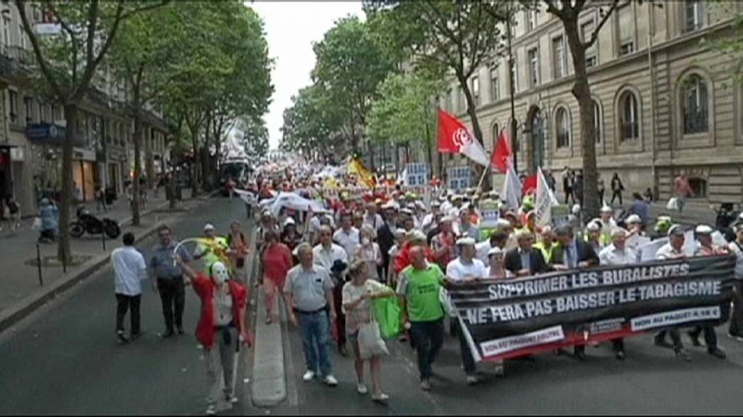 Französische Tabakverkäufer demonstrieren gegen Verpackungs-Pläne der Regierung