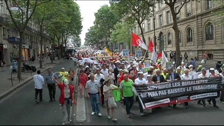 Fransa: Nötr sigara paketine 'hayır'