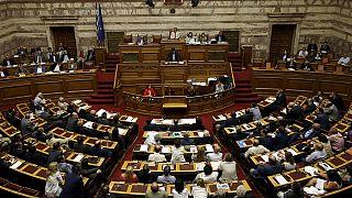 Grecia aprueba el segundo paquete de medidas exigido por Bruselas