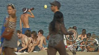 Οι πολλοί τουρίστες κάνουν κακό στον... τουρισμό της Βαρκελώνης