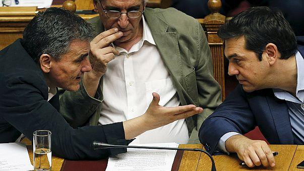 تشدید شکاف در حزب حاکم یونان در پی موافقت پارلمان با اصلاحات اقتصادی