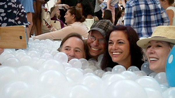 Jouer dans un océan de bulles à Washington DC