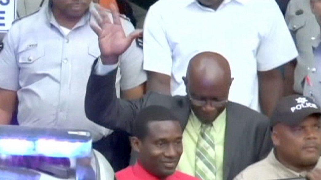 Investigação à FIFA: Trinidade e Tobago analisa extradição de Warner para os EUA
