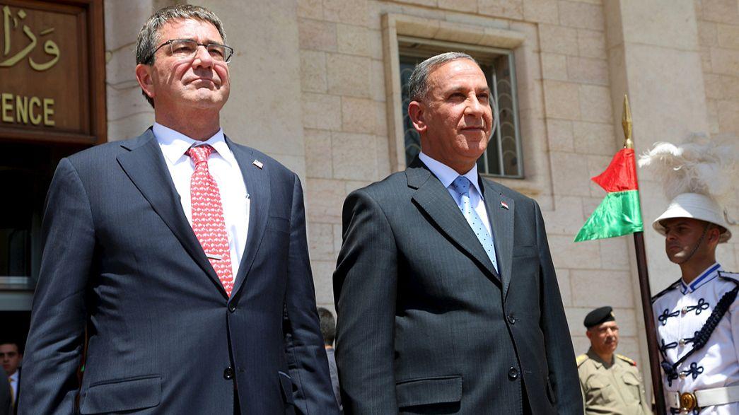 Iraq e Usa contro l'Isil: a Baghdad il segretario statunitese alla Difesa Carter