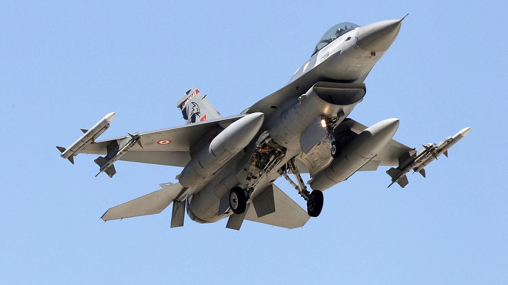 La Turchia passa al contrattacco. Bombardati obiettivi dell'Isil al confine con la Siria