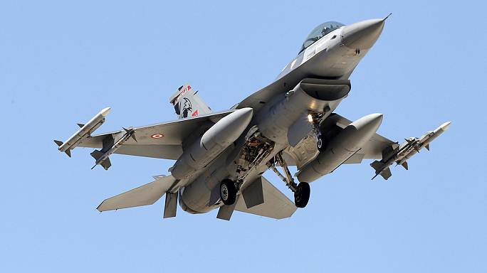 Turkey fighter jets strike ISIL targets in Syria