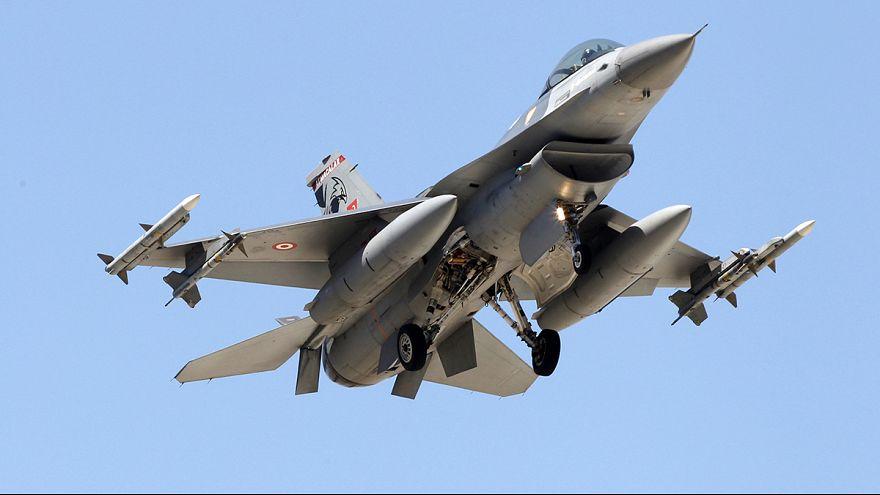 Türkei fliegt Luftangriffe auf IS-Stellungen
