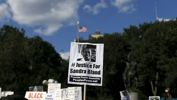 Sandra Bland death ruled 'suicide by hanging'