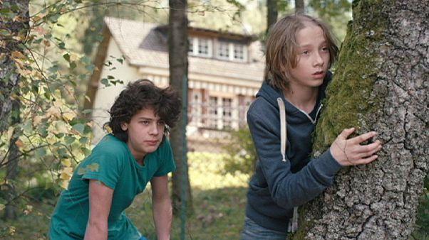 A Tajtékos napok rendezőjének szívderítő, új filmje: Microbe et Gasoil