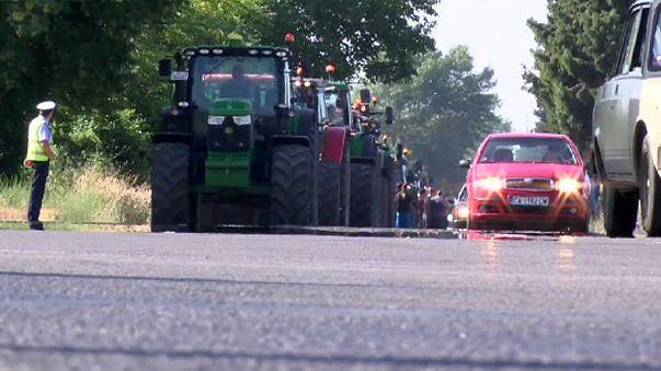 Los agricultores búlgaros sacan los tractores a la calle