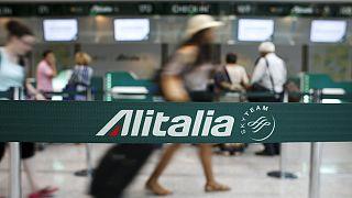 Alitalia çalışanlarının grevi tatilcileri vurdu