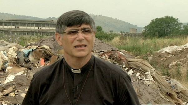 Padre Maurizio Patriciello: l'industria è responsabile quanto la Camorra del traffico di rifiuti