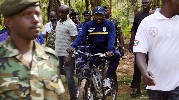 Burundi: Umstrittener Präsident sichert sich dritte Amtszeit
