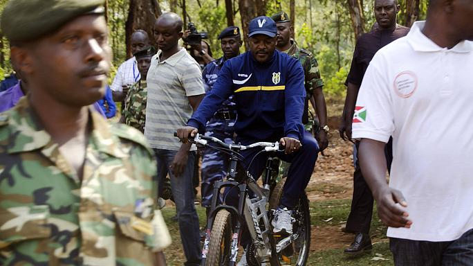 Burundi: újraválasztották harmadszorra is az elnököt