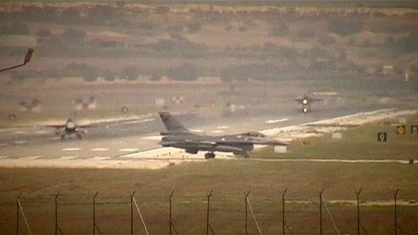 Turquia bombardeia PKK no Iraque e Estado Islâmico na Síria