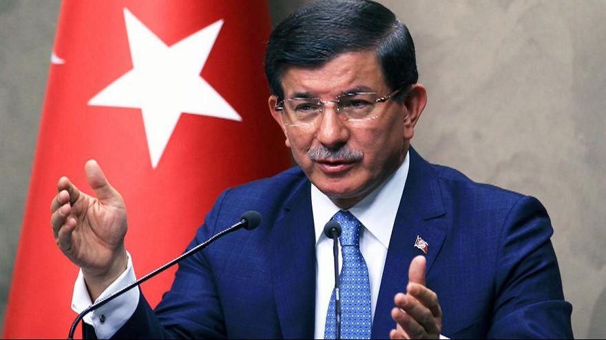 Turquía confirma que continuará su ofensiva contra el grupo Estado Islámico y el PKK