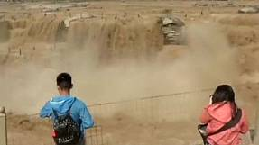 China: the fury of the Hukou Waterfalls