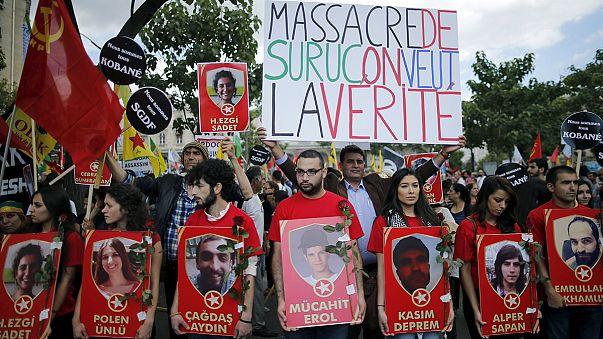 Paris'te terör operasyonlarına karşı eylem