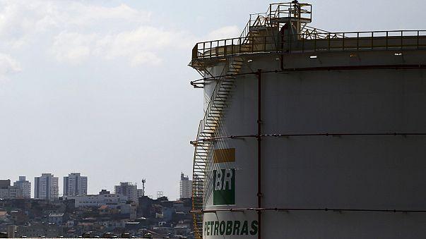 Бразилия: топ-менеджеры Petrobras понесли чемоданы в тюрьму