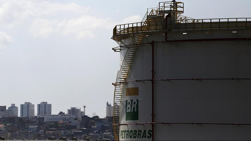 Petrobas-Affäre: Bauunternehmer in Haftanstalt überführt