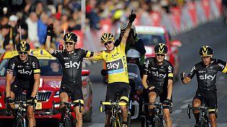 Tour de France: passerella per Chris Froome