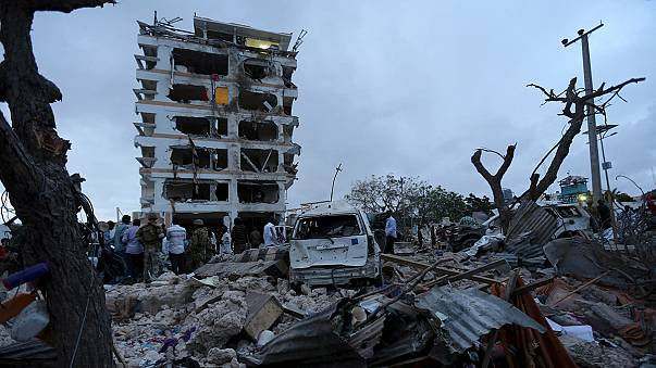 Al menos 13 muertos tras el ataque de Al Shabab contra un hotel de Somalia