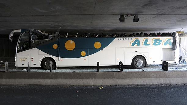 Coach has its roof sheared off in low tunnel near Lille