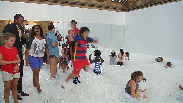 """""""La Playa"""", un océano reciclable para niños y adultos en el centro Washington"""