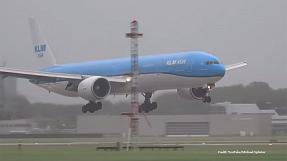 Watch: dramatic landing of KLM plane at Schiphol Airport