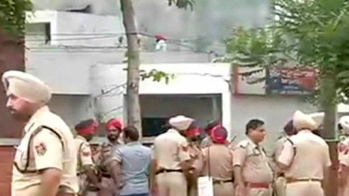 مقتل وجرح عدد من افراد الشرطة في هجوم على مركز أمني هندي في البنجاب
